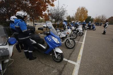 Los policías locales perfeccionan su conducción de motos
