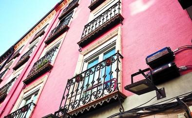 Licencias paraliza el montaje de la fibra óptica por dañar la estética de fachadas