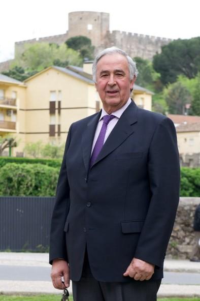 El alcalde de La Adrada renuncia a su sueldo para crear ayudas de alimentos