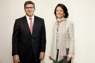 Ana Botín releva por sorpresa al consejero delegado del Santander