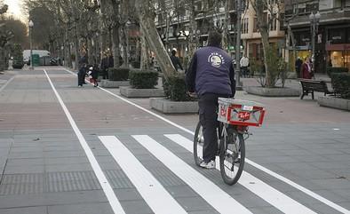 IU considera que la nueva ordenanza regula el tráfico en bicicleta pero no fomenta su uso