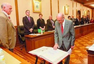 El Pleno de la Diputación expresa su apoyo unánime a los trabajadores de Nissan en Ávila