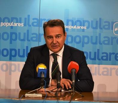 Conde destaca la unión de los gobiernos del PP para atraer el área