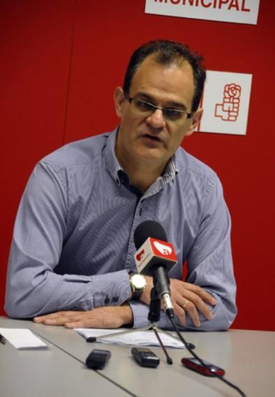 Manuel Serrano se retira de las primarias en el PSOE almanseño