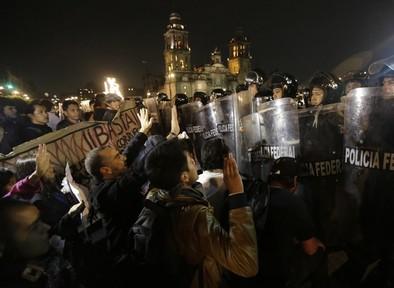 La indignación invade México
