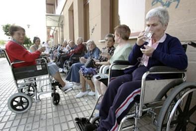 La lista de espera en residencias baja un 10% desde el 2011 en la provincia