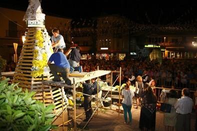 Multitudinaria ofrenda a la Virgen de Chilla