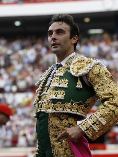 Enrique Ponce es seria duda para la corrida de mañana por una lesión muscular