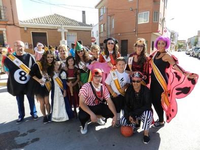 Adiós a las fiestas con un carnaval lleno de colorido