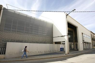 El PSOE afirma que las listas de espera del centro de salud acumulan ocho días de retraso
