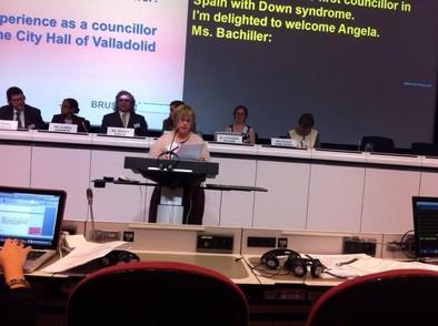 Bachiller expone su experiencia como concejala en un foro sobre derechos de las personas con discapacidad en Bruselas