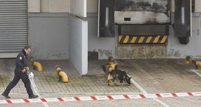 La Policía Nacional utiliza perros para detectar productos acelerantes