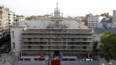 Los andamios cubren ya la fachada de la UVa para su rehabilitación