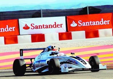 El piloto abulense Miguel Ángel de Castro estrena la Fórmula 4 en España
