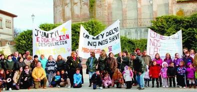 La AMPA exige que el colegio de Madrigal sea Centro de Educación Obligatoria