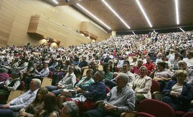 'GIS' cede a la ciudad el pleno uso del Palacio de Congresos durante 19 días