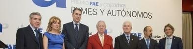 FAE y Cajaviva entregan sus Premios Pymes y Autónomos en una gala con 300 empresarios