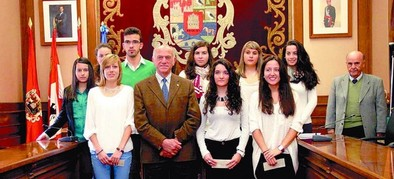 Diputación beca con 3.000 euros a diez universitarios de la provincia