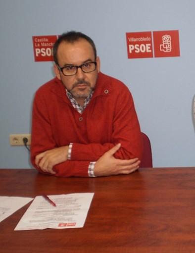 Alberto González quiere «suprimir los tres cargos de confianza del alcalde»