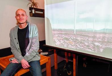 Dos ingenieros abulenses desarrollan un proyecto sobre energía eólica de menor coste