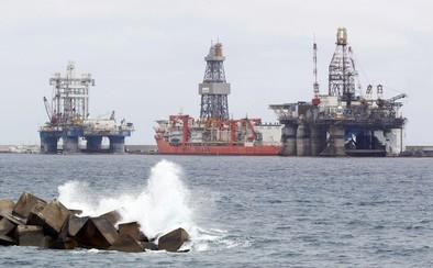 El precio del petróleo se hunde al mantener la OPEP su producción