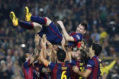 Messi entra en la Historia al superar a Zarra