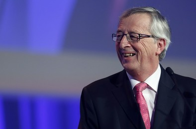 Juncker supera el primer test