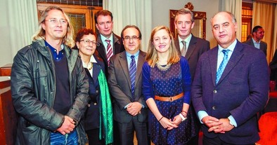 'Indigentes del banco blanco' recibe el premio Periodismo en Positivo