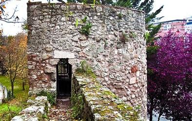 La muralla vuelve al medievo