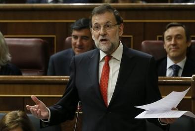 Rajoy alaba a Rubalcaba frente a la «confusión» de Pedro Sánchez