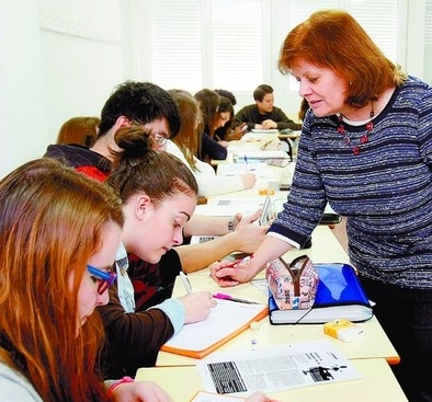Las universidades abulenses graduaron 424 alumnos más en un solo curso