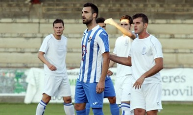 El Talavera ya es líder tras triturar a un Ibañés que jugó con nueve