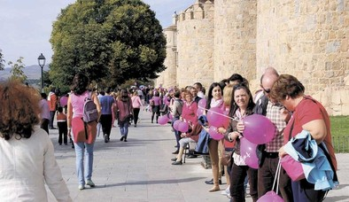 Un gran abrazo a la vida teñido de rosa