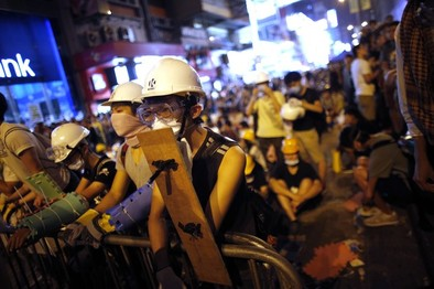 Hong Kong se tiñe de violencia