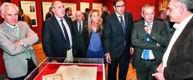 Una exposición recorre los cien años del Palacio Provincial