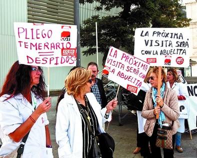 El PSOE y las trabajadoras critican el nuevo recorte en Ayuda a Domicilio
