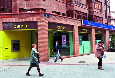 La justicia obliga a Bankia a devolver 360.000 euros de preferentes