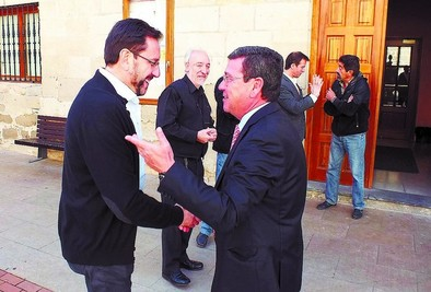 Rico defiende la colaboración frente a la intentona de segregación de Treviño