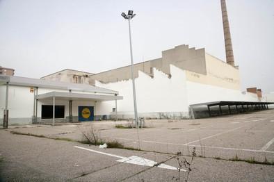 Carrefour se interesa por unas instalaciones de avenida de Madrid