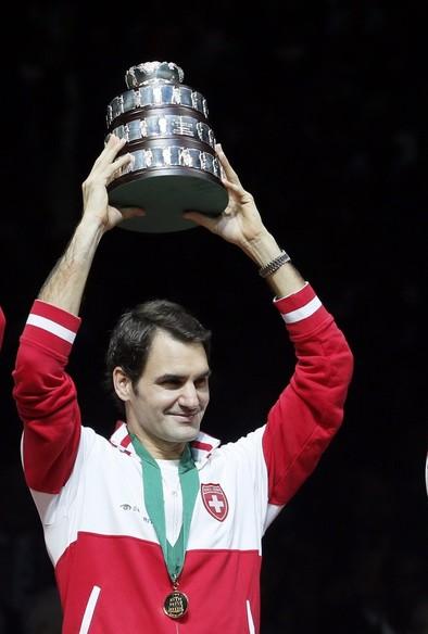 Federer salda su única deuda