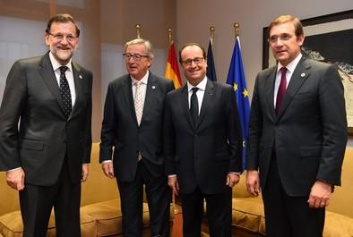 Los líderes europeos apoyan el 'plan Juncker', pero sin aportar fondos