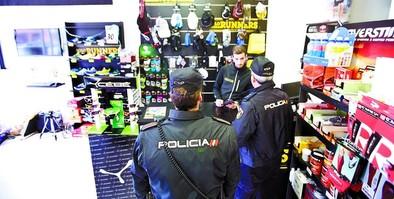 La vigilancia policial se eleva un 25% para evitar robos y estafas en Navidad
