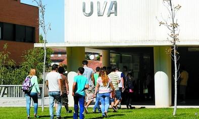 Estudiar Derecho o Medicina en Valladolid cuesta casi el doble que en las comunidades limítrofes