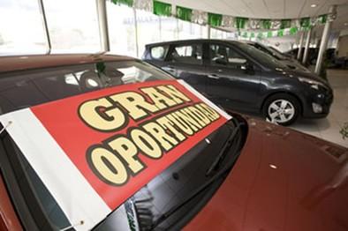 Los concesionarios afirman que los coches seminuevos están «casi agotados»