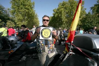 Manifestación en defensa de la concentración motera de 'Pinguinos'
