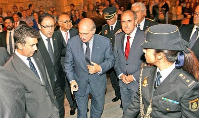 Fernández Díaz destaca «los héroes anónimos» de la Policía