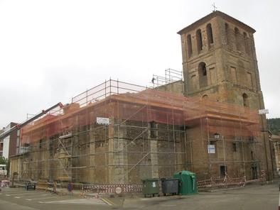 La iglesia de San Pedro de Saldaña lucirá su nueva cubierta en unos días