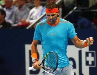 Nadal debuta sin problemas