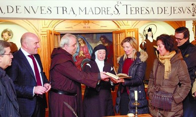 La Junta digitalizará el códice de La Santa 'Camino de Perfección'