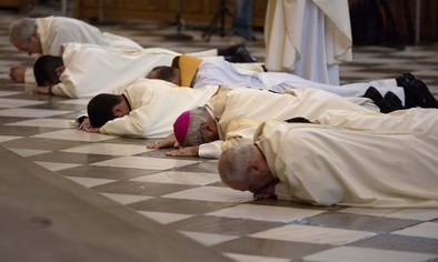 Detenidos tres sacerdotes y un profesor de Religión por los abusos en Granada